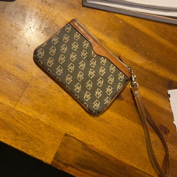 Dooney and bourke small wallet or coin pouch